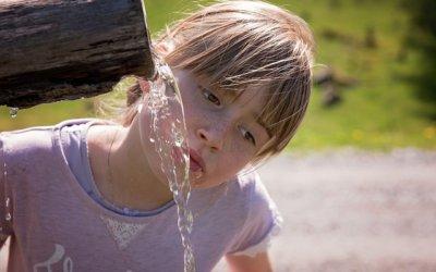Les effets bénéfiques de l'eau sur l'apprentissage scolaire